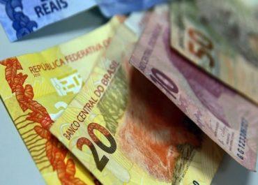 CRISE: Rendimento médio de brasileiros cai a 82% em maio devido à Covid-19