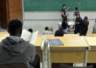 Estudantes com Fies podem suspender parcelas no BB a partir de hoje