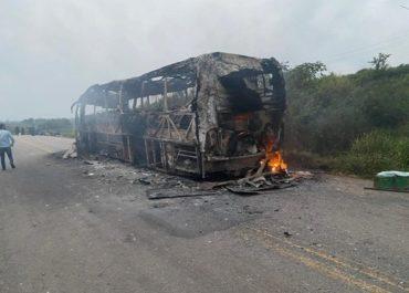 BR-364: Superaquecimento em celular provocou incêndio em ônibus