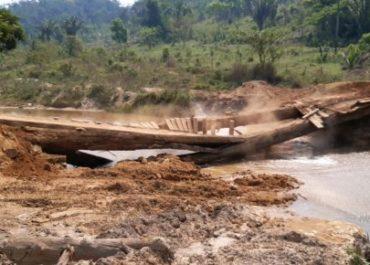 Secretaria de Obras substitui mais uma ponte de madeira por Tubo Armco na área rural de Buritis