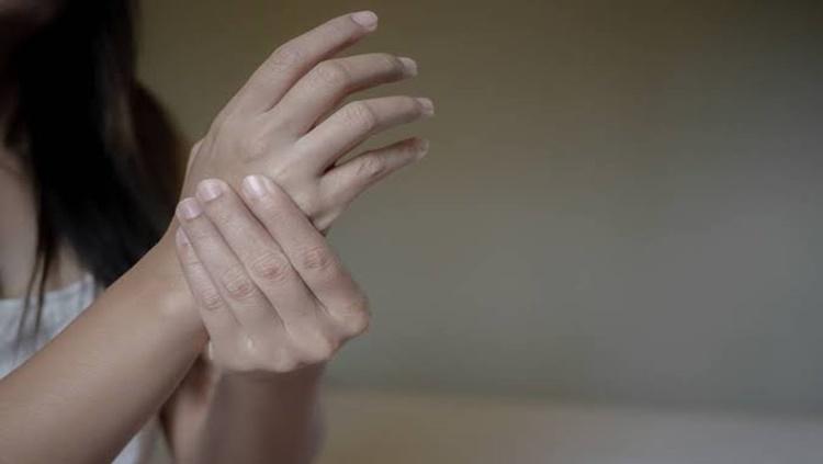VIOLENTADA: Homem é preso por estuprar ex-mulher após ameaçar matar os pais dela