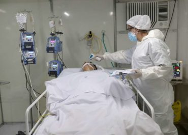 Brasil teve 375 médicos mortos por covid-19, diz CFM