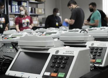 TRE-RO inicia geração de mídias, carga e lacração das urnas eletrônicas