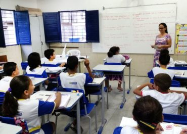 Mulheres são maioria entre professores de inglês na rede básica